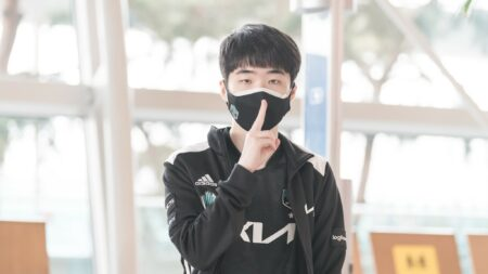 Photo of DWG KIA Ghost at the airpost leaving for MSI